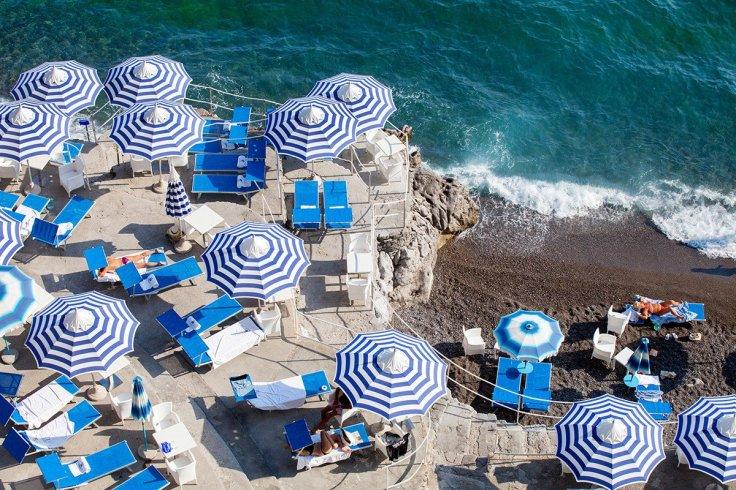 12_La_Scogliera_sunbather